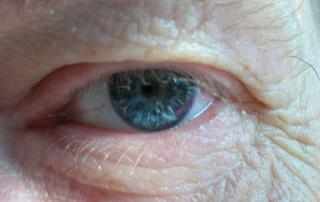 starość nie chroni przed głupotą